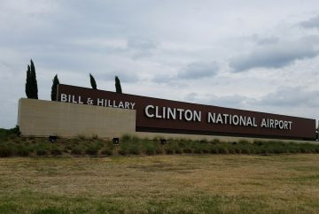 LIT - Bill and Hillary Clinton National Airport