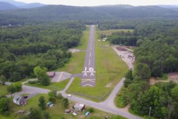 DescriptionSchroon Lake Airport